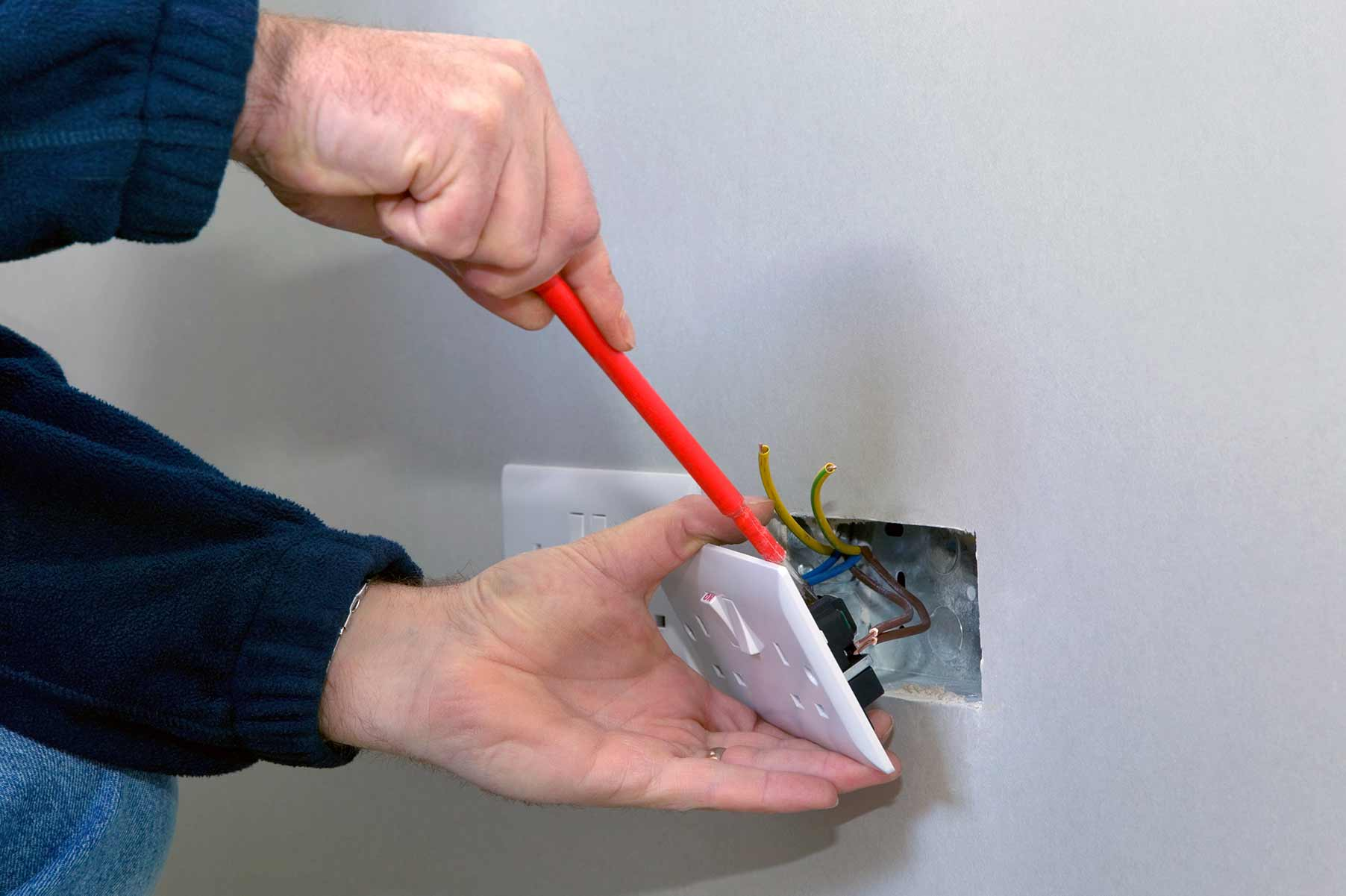 Our electricians can install plug sockets for domestic and commercial proeprties in Rotherhithe and the local area.